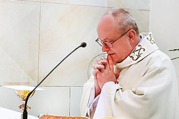 ks.Janusz Nawrot